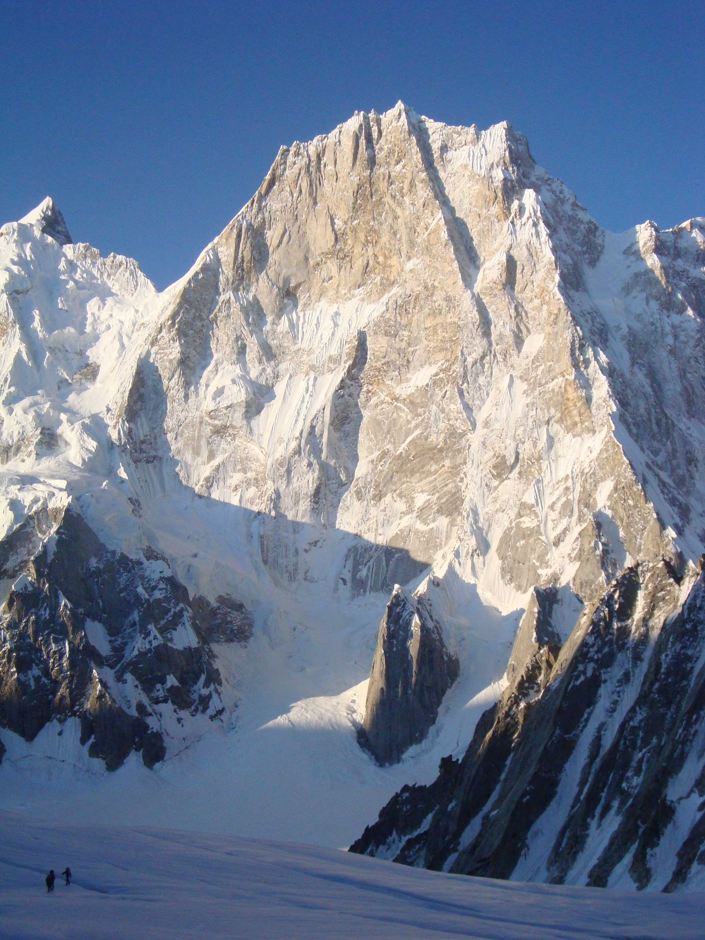 L'imponente parete Nord del Latok I - Karakorum